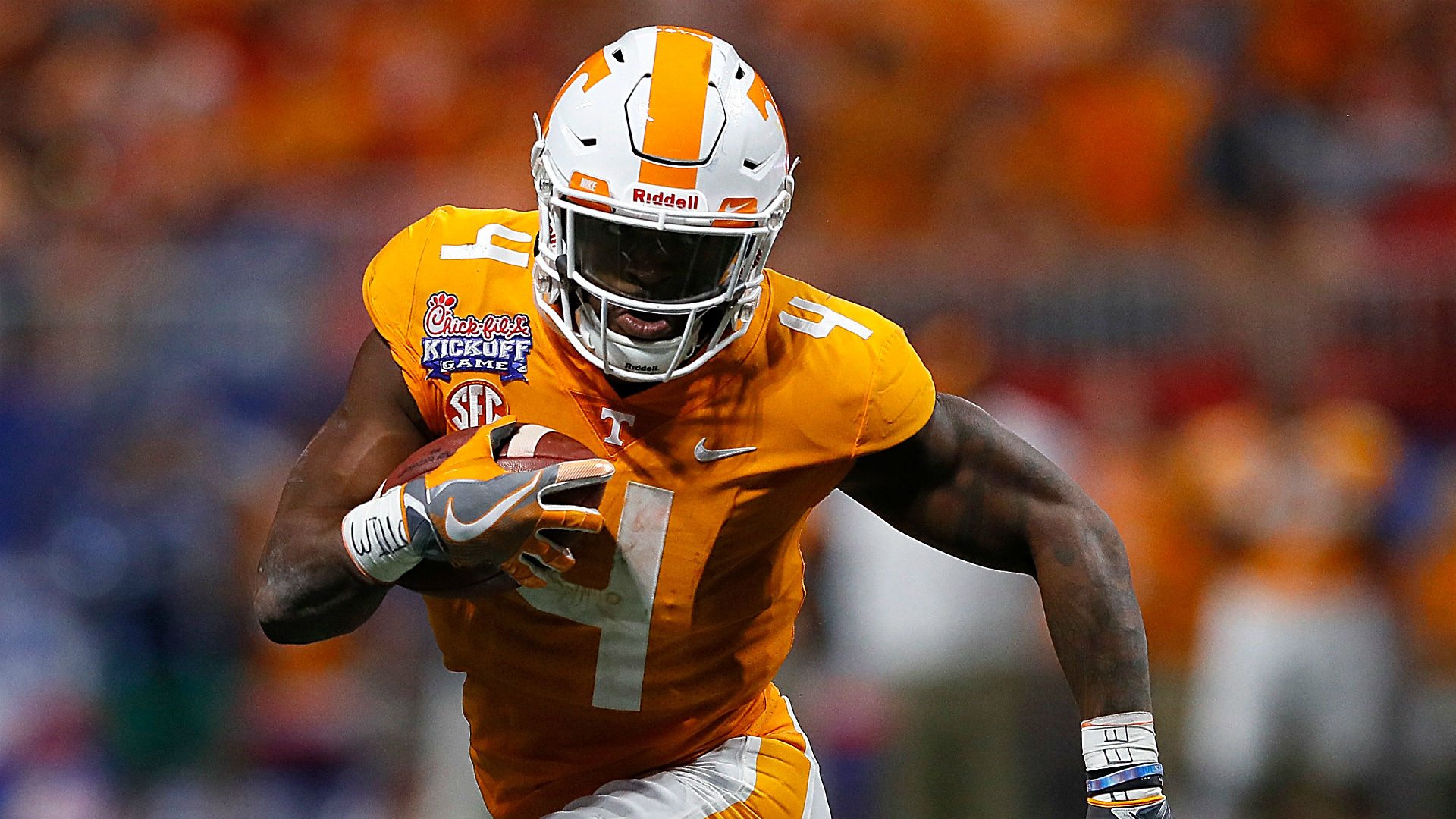 Tennessee players John Kelly, Will Ignont suspended for Kentucky game