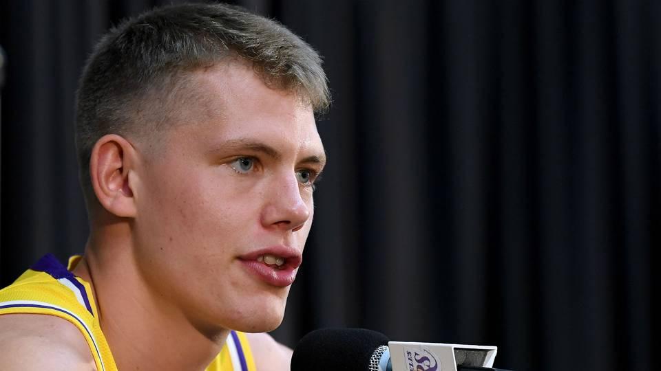 Moe Wagner injury update: Lakers rookie to miss entire preseason with left knee bruise