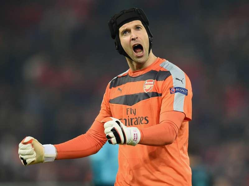 Walcott: Cech has changed Arsenal's back four