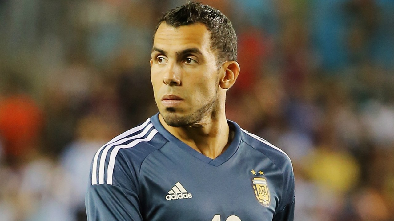 Don t blame Tevez – Ex Man Utd and City star backed amid