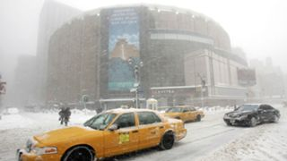 2006 storm outside Madison Square Garden
