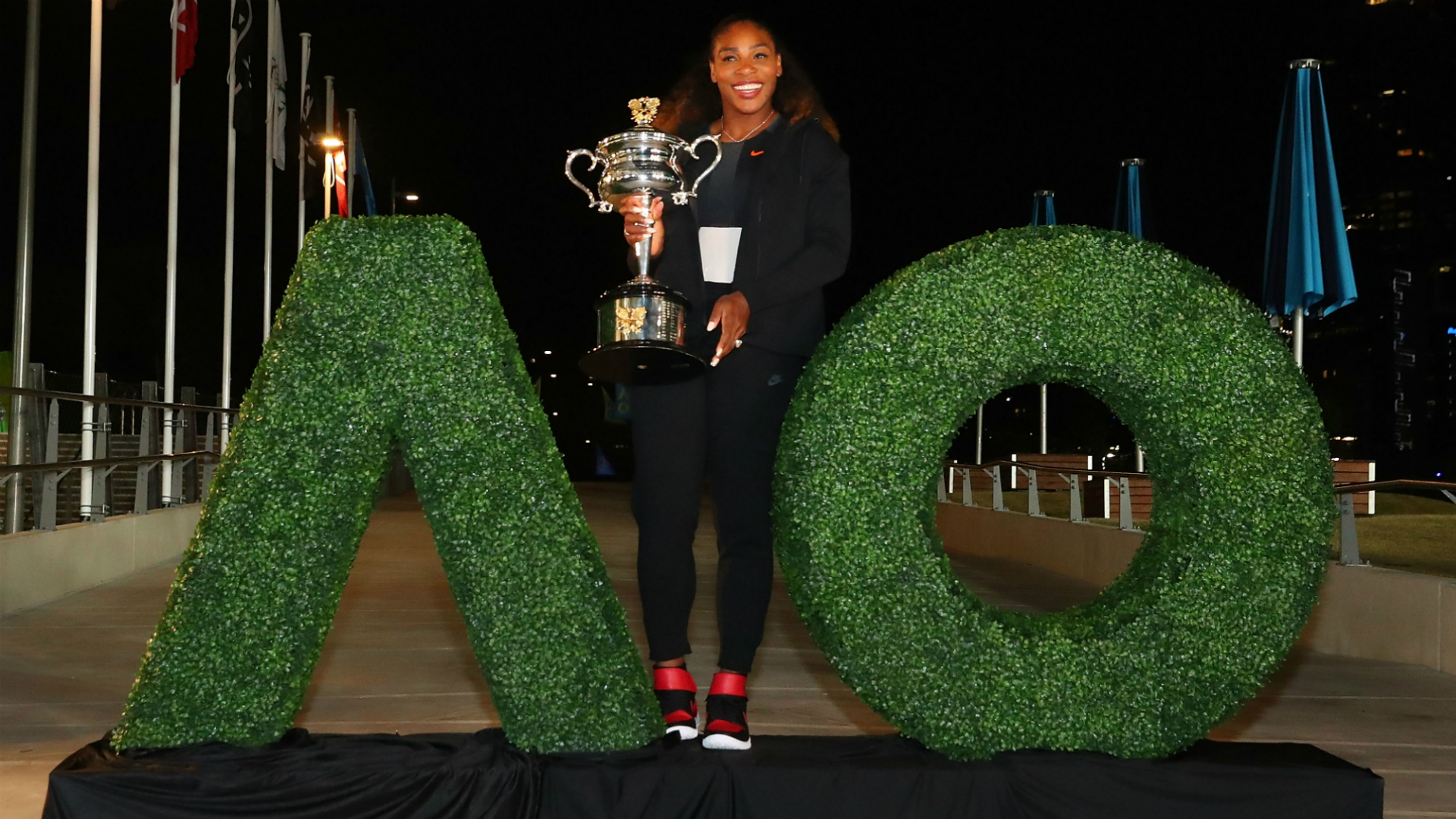 New mom Serena Williams hasn't ruled out defending Australian Open title
