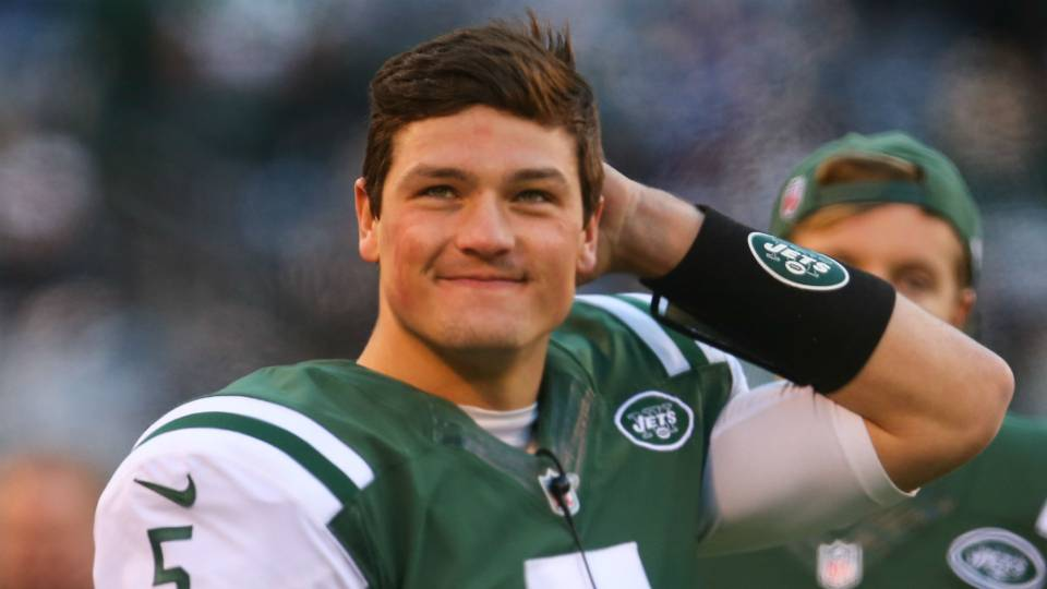 Christian Hackenberg replaced by Zach Mettenberger as Memphis Express' starting quarterback