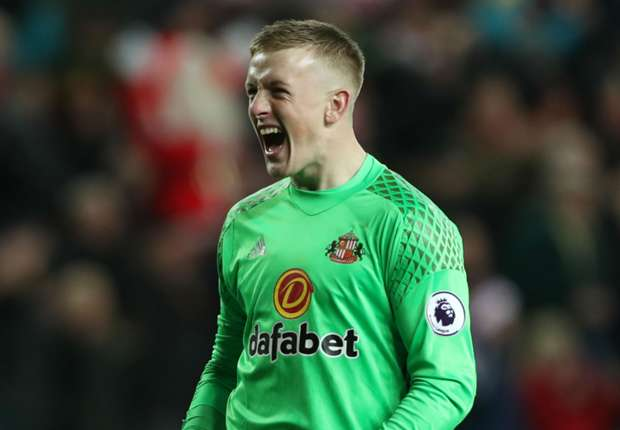 88f01faca Pickford can emulate Hart - Moyes won t cash in on Arsenal and Liverpool  target