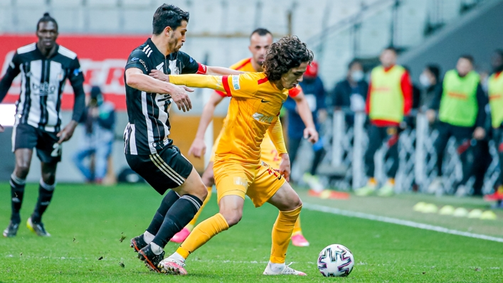 Emre Demir (r) in action for Kayserispor