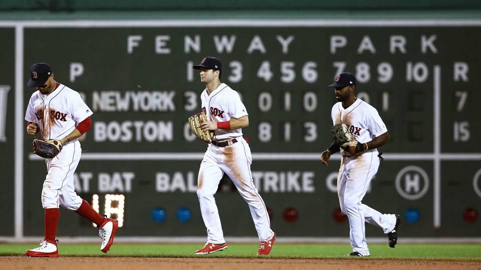 Red Sox tweet trolls Yankees GM Brian Cashman after 15-7 win