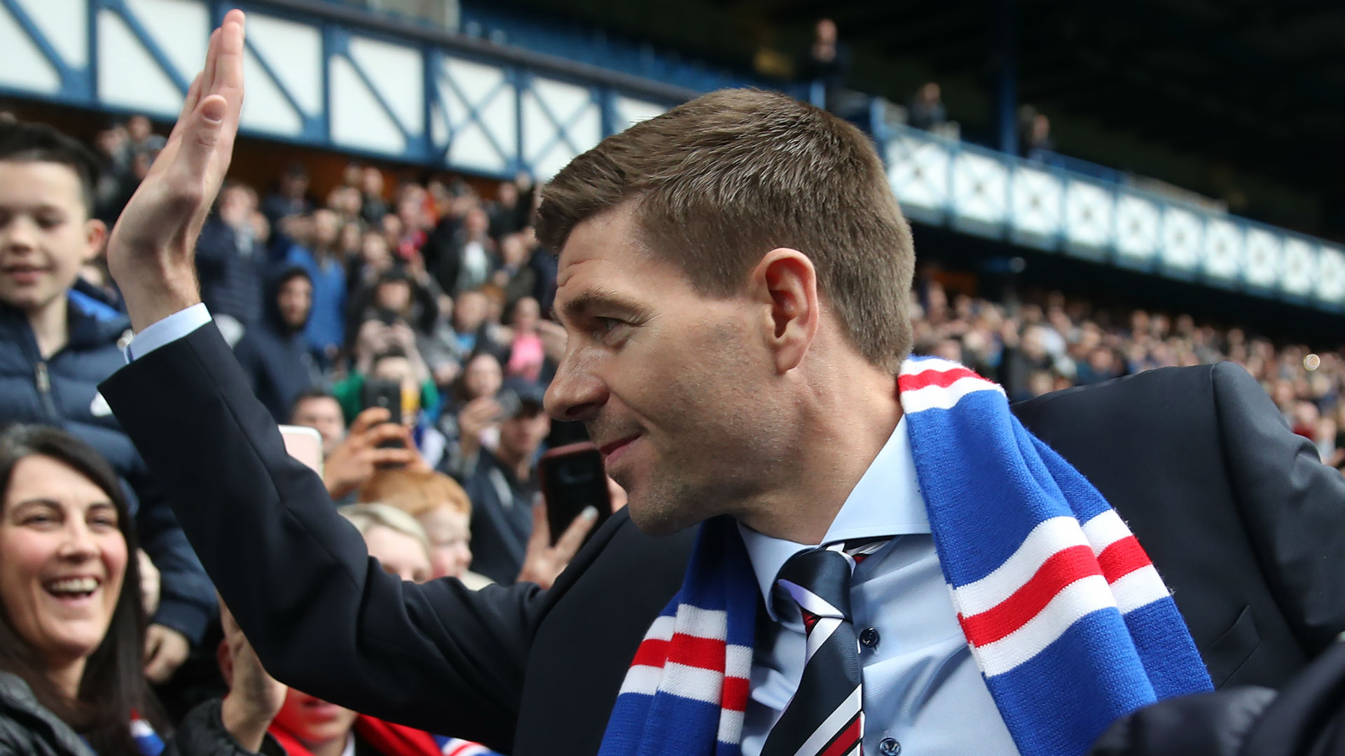 Gerrard fires warning to Celtic as he prepares to join Rangers