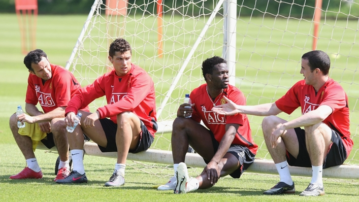 Louis Saha and Cristiano Ronaldo played together between 2004 and 2008 before the former retired.