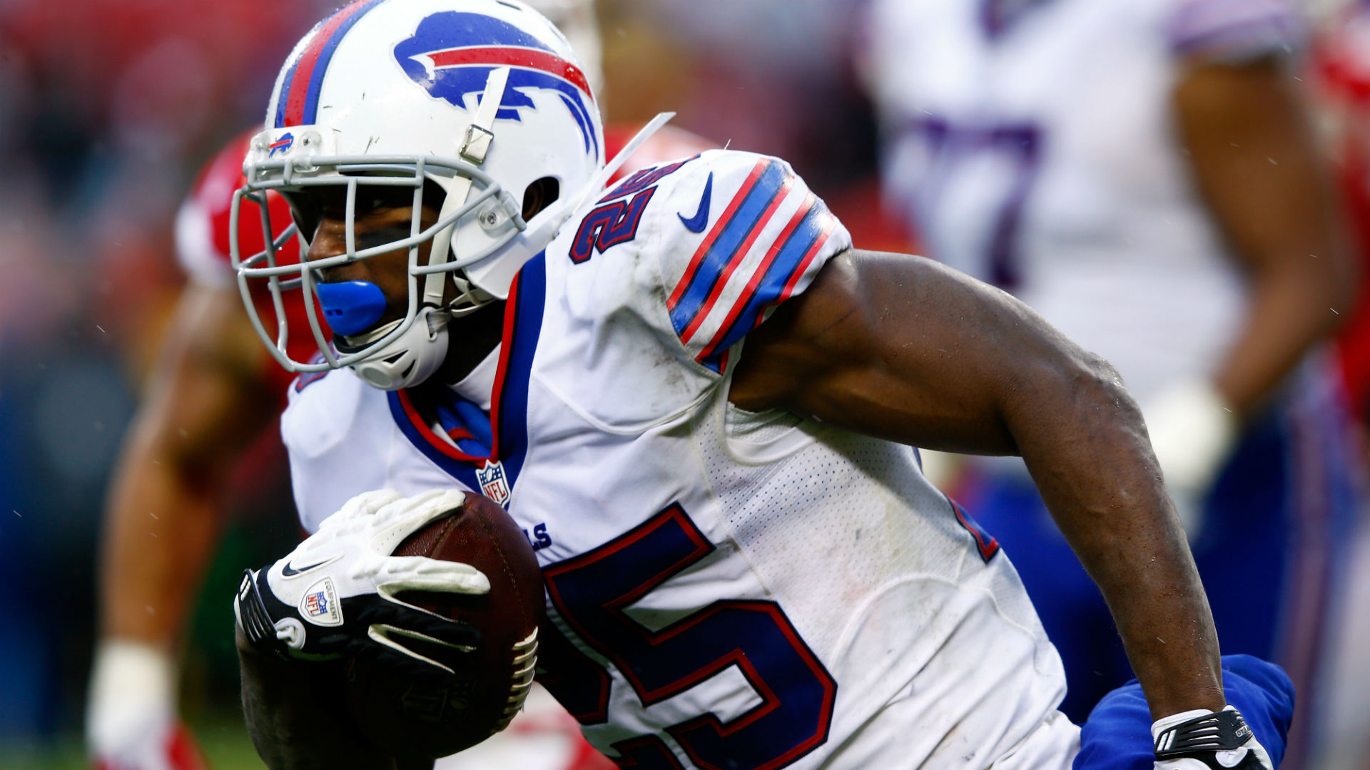 248b70ac LeSean McCoy doesn't shake Chip Kelly's hand, snubs media after loss ...