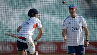 Alastair Cook and Graham Gooch - cropped