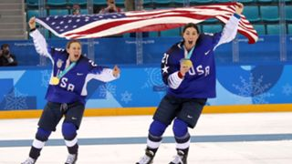 Kendall Coyne Schofield (left), Hilary Knight