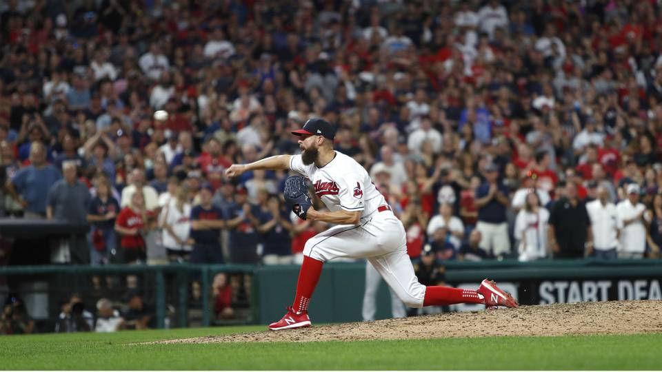 MLB wrap: Indians starter Corey Kluber throws shutout, strikes out 7 in win over Angels