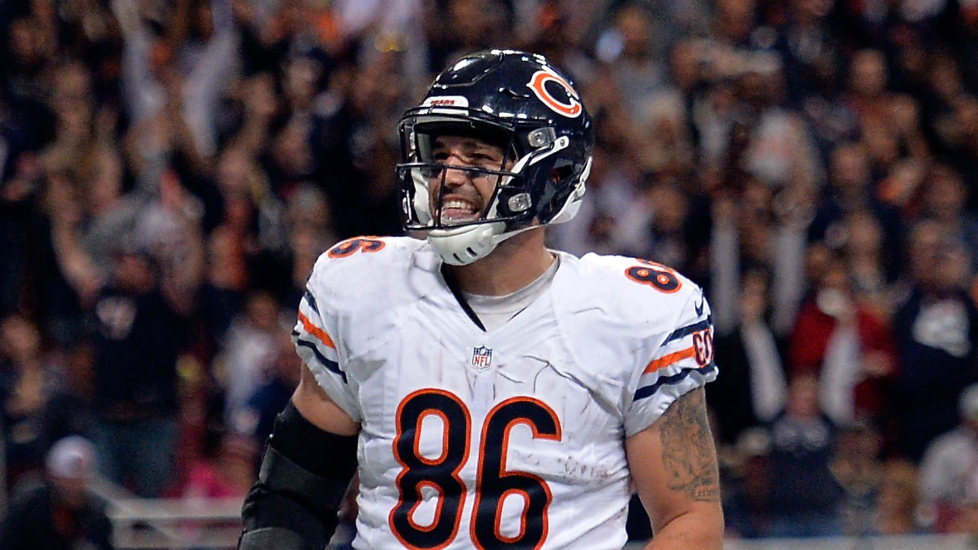 Bears lose Zach Miller to dislocated left knee on negated touchdown