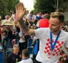 Croatia players greeted by 550,000 fans