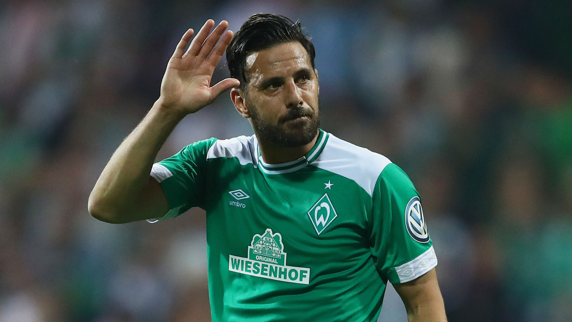 Werder veteran Pizarro to sign new contract at 40