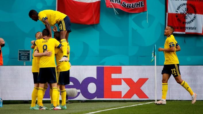 Sweden celebrate Emil Forsberg's opening goal