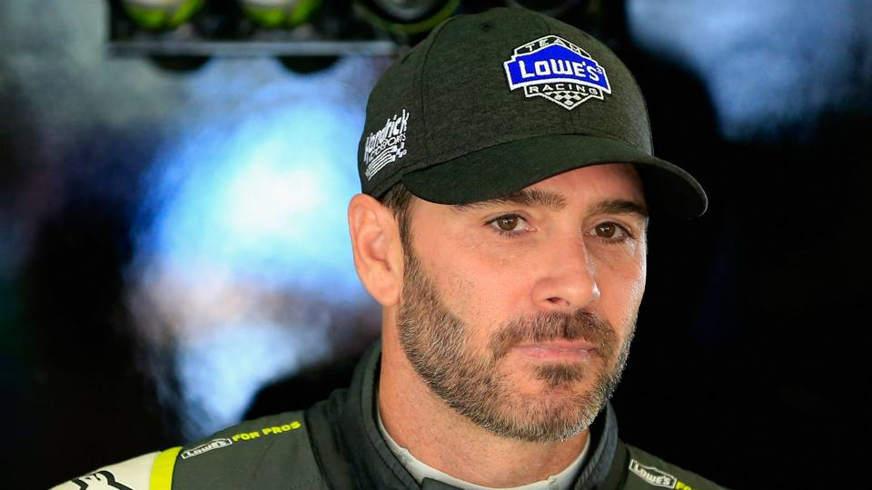 NASCAR admits mistake in penalizing Jimmie Johnson at Texas