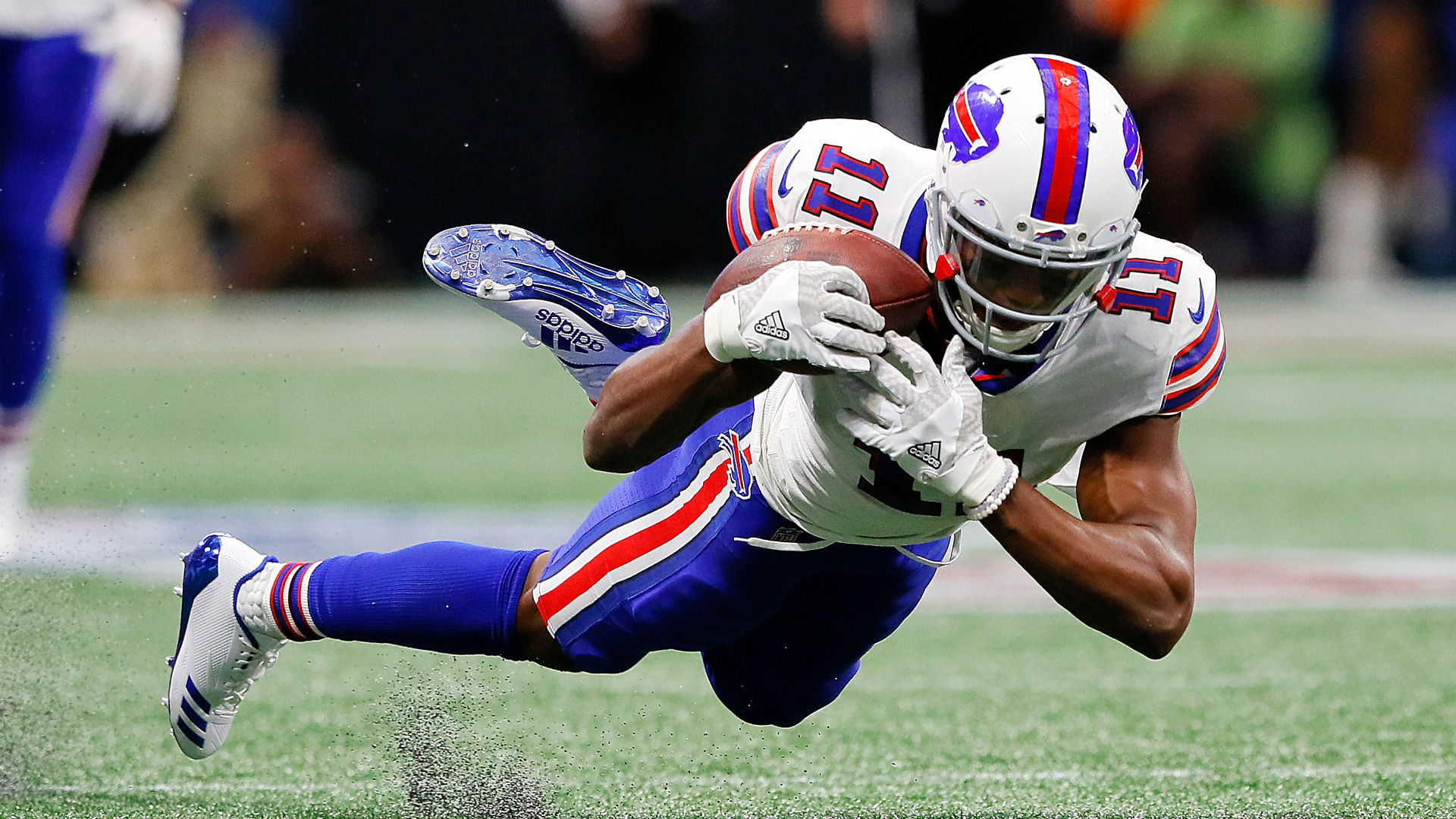 Bills' Zay Jones appears to levitate after play, Internet goes crazy