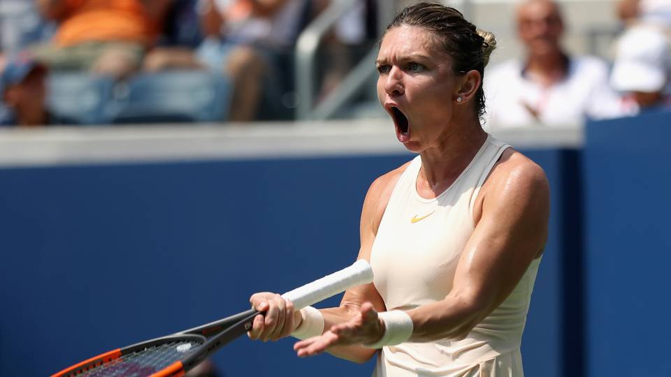 Top-ranked Simona Halep (back) withdraws from Kremlin Cup; WTA Finals in doubt