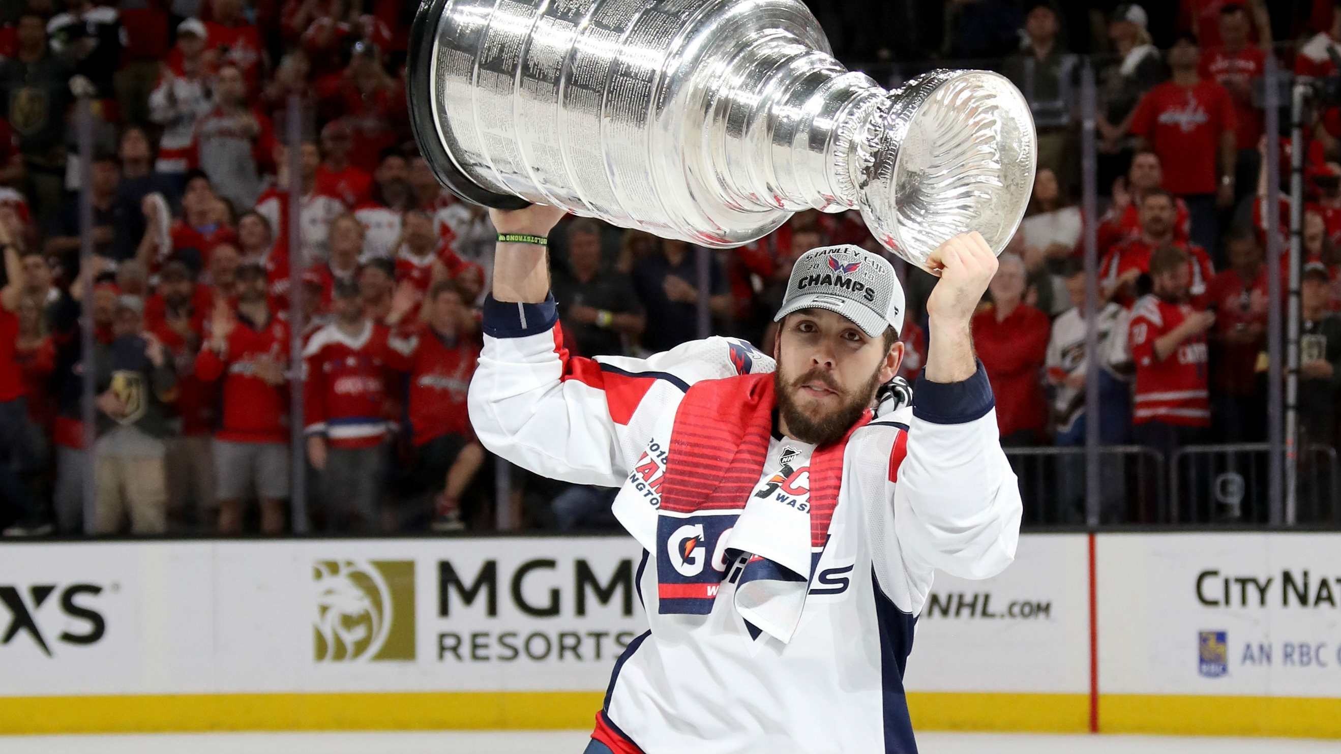 Capitals' Chandler Stephenson takes Stanley Cup to Humboldt