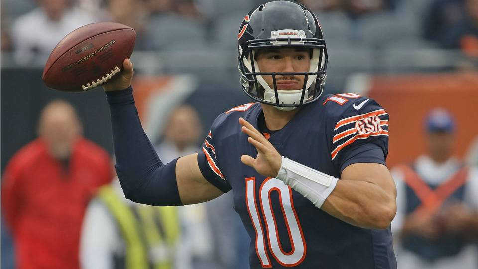 Bears QB Mitchell Trubisky keeping his compression sleeve