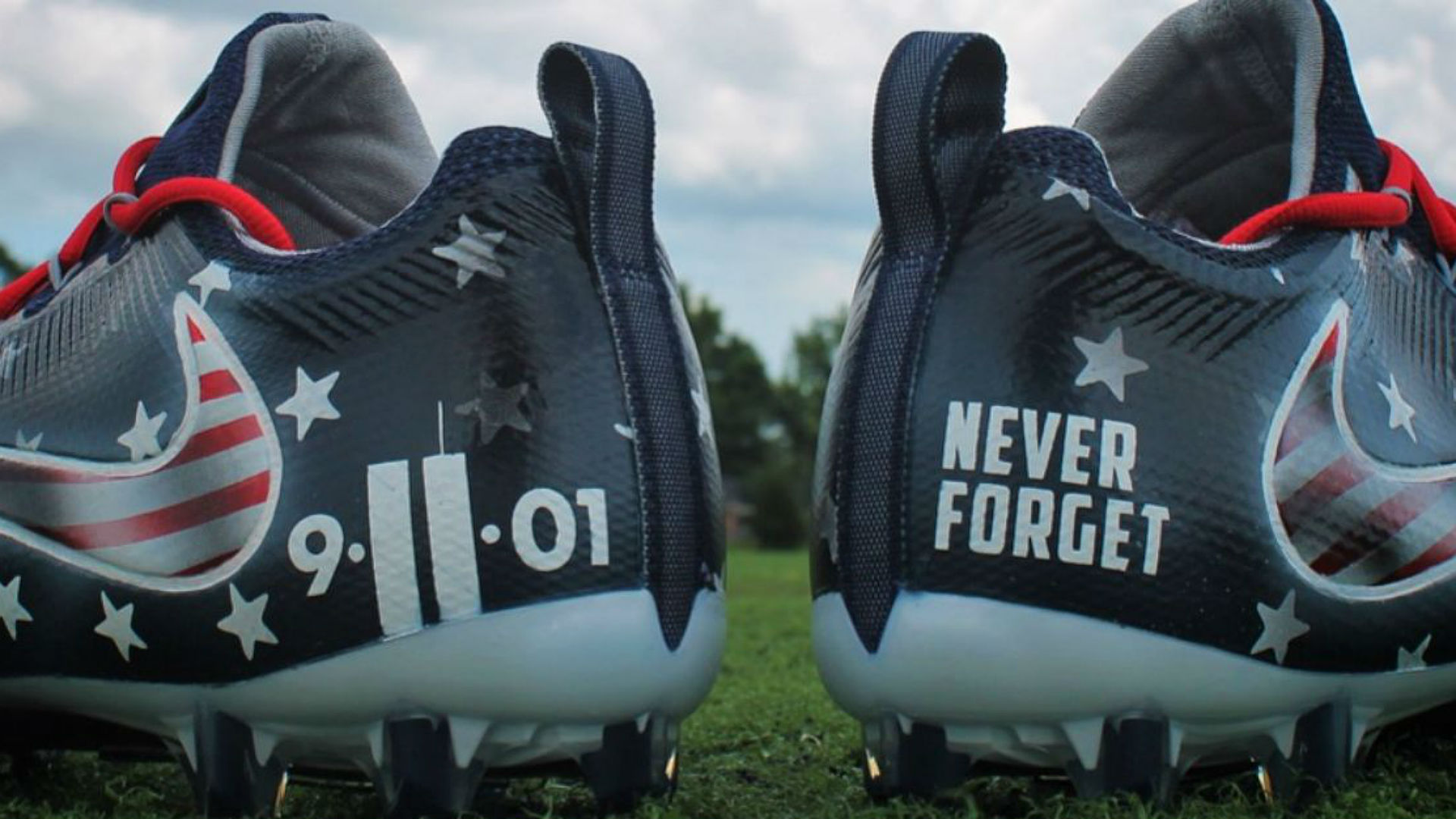 cfc8834db Mike Mularkey will pay his player s 9 11 cleats fine