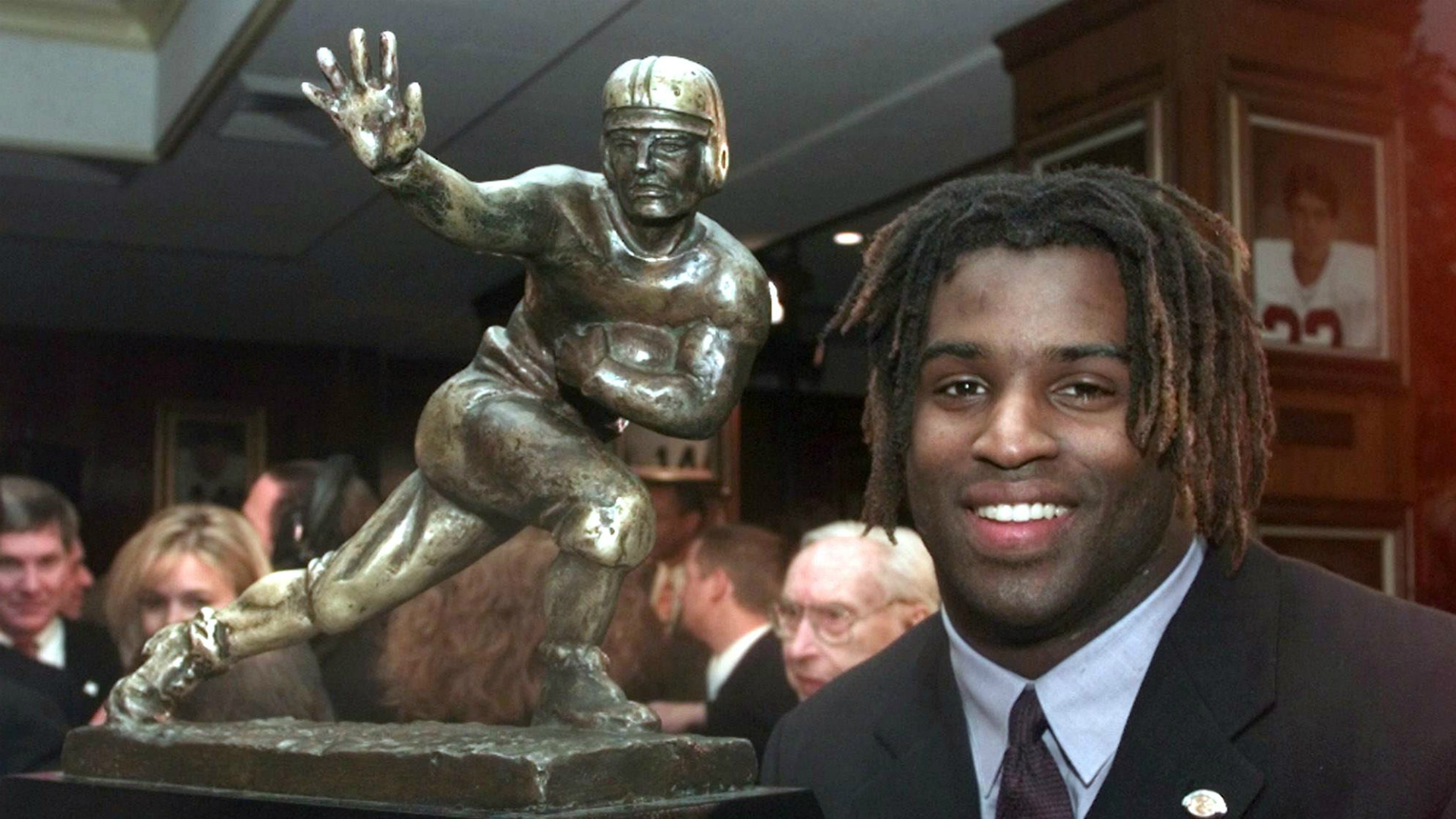 Ricky Williams' Heisman goes for record $504K at auction