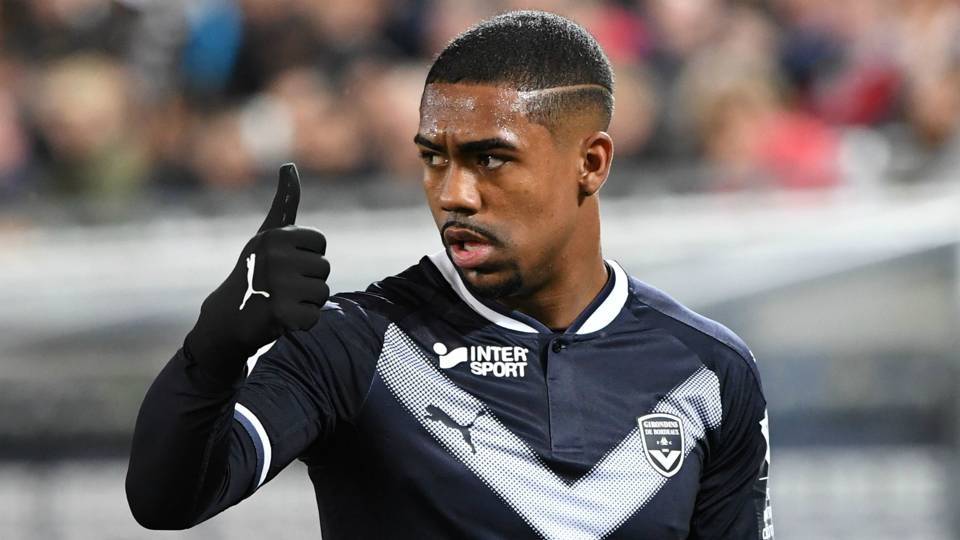 Barcelona, Malcom agree to 11th-hour signing, icing out Roma