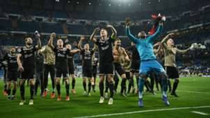 Ajax-cropped