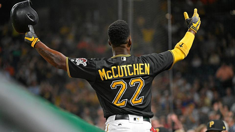 Giants starting to look like World Series contenders after acquiring Andrew McCutchen
