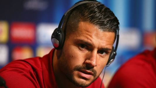 Sevilla chief urges fans not to 'insult' Vitolo