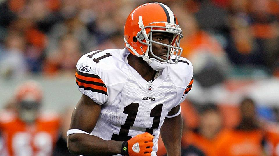 Former NFL WR Mohamed Massaquoi details hand amputation after ATV accident