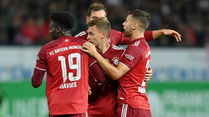 Bayern Munich celebrate Joshua Kimmich's goal at Greuther Furth