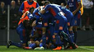 Newcastle Jets celebrate_cropped