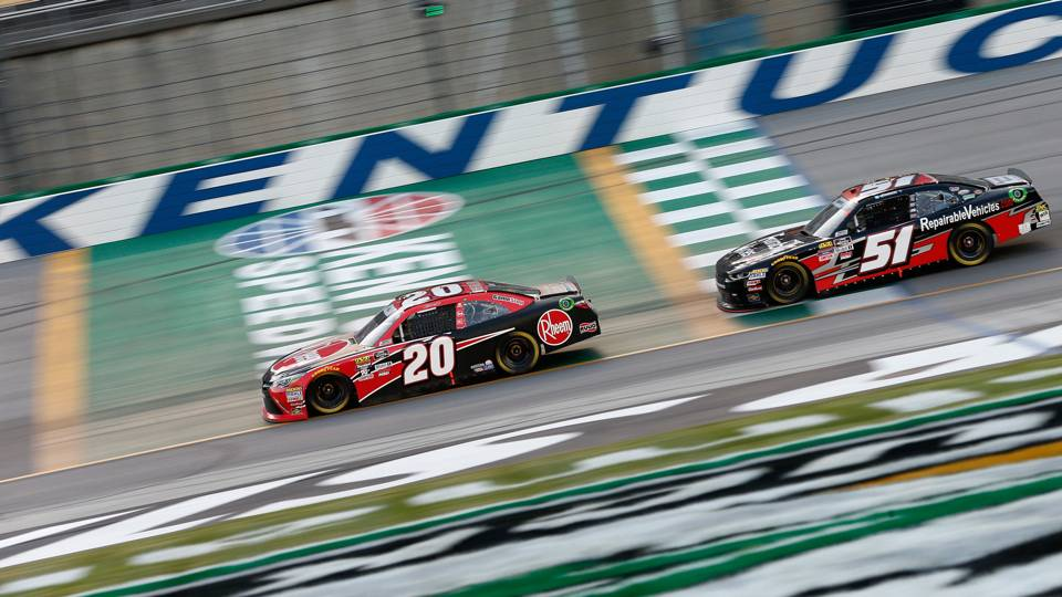 NASCAR at Kentucky: Christopher Bell holds off Kyle Busch, Daniel Hemric for 2nd win of season