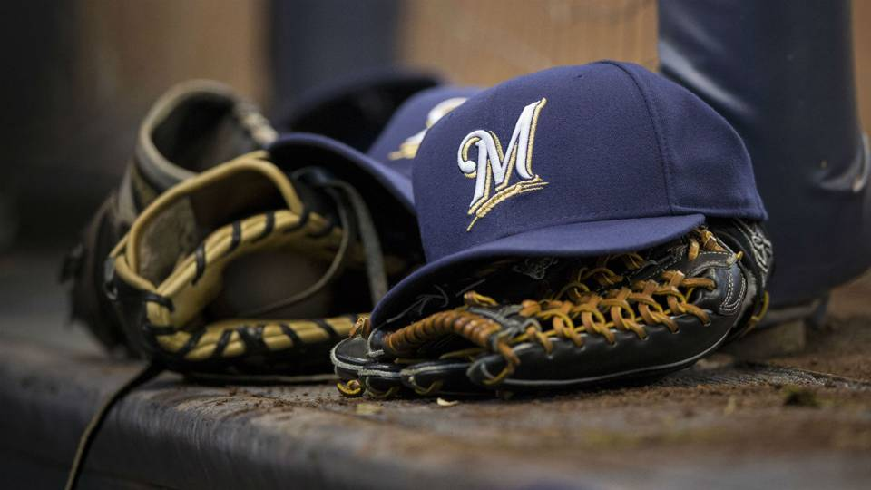 Brewers hilariously spoof 'Mean Girls' during spring training