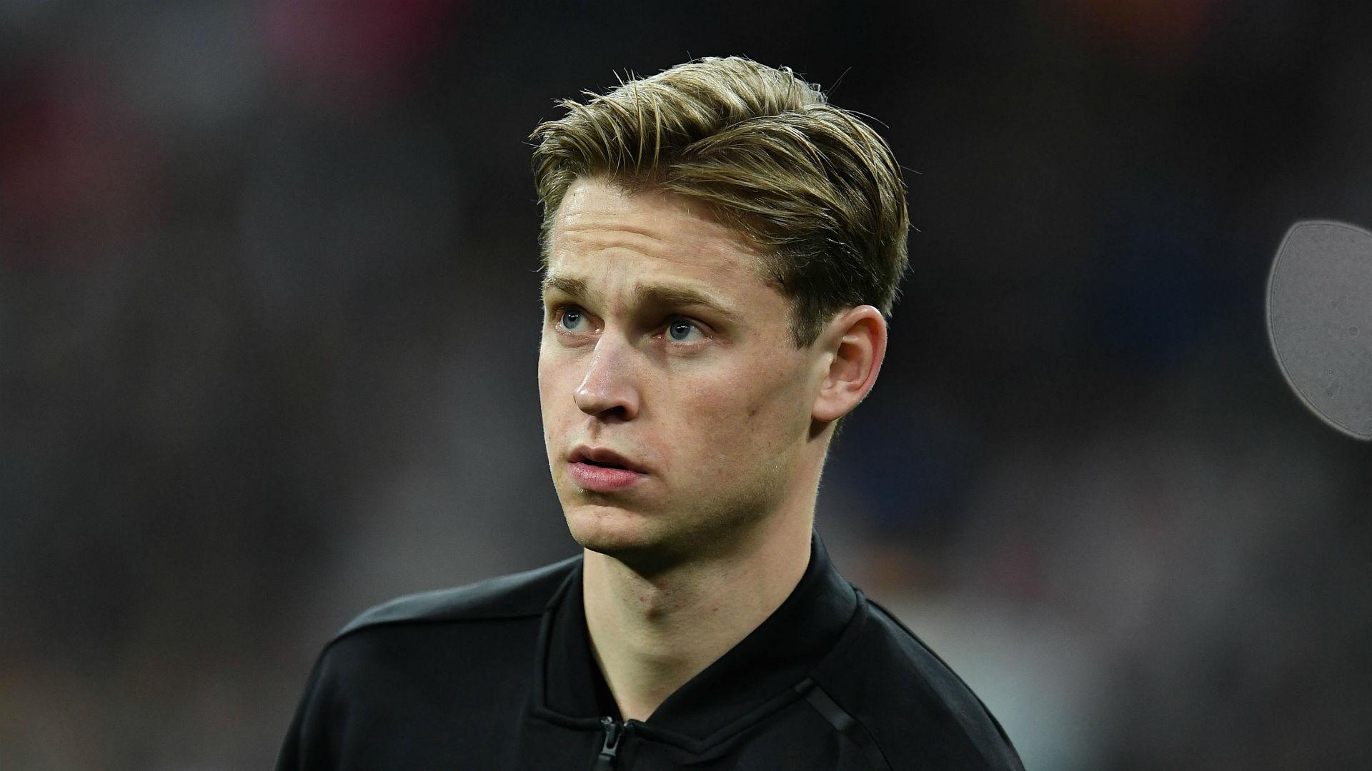 Ajax midfielder De Jong may miss Juventus tie