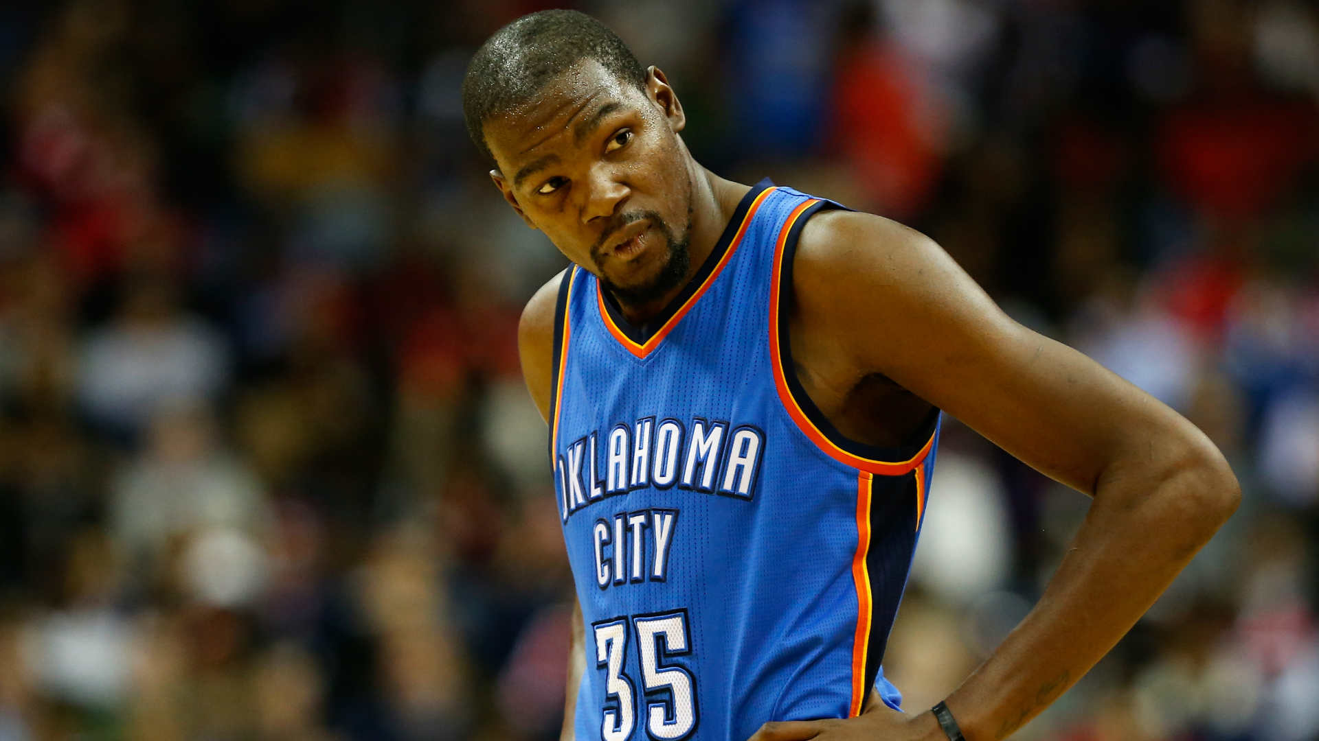 43e9bd19fba0 Kevin Durant leaves Wizards game with strained hamstring