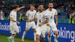 Italy celebrate against Turkey