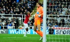 Ashley Young TIm Krul - cropped