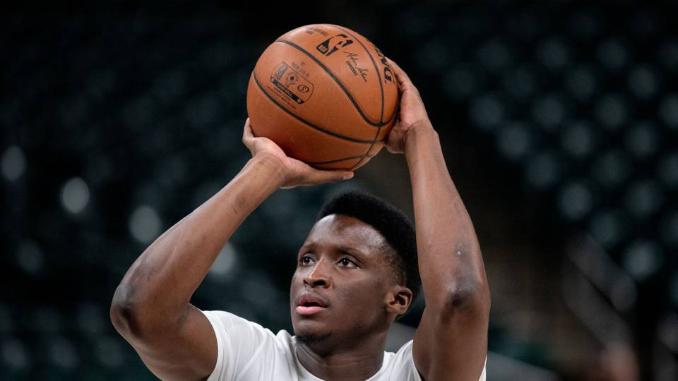 NBA wrap: Victor Oladipo's last-second 3-pointer gives Pacers sixth straight win