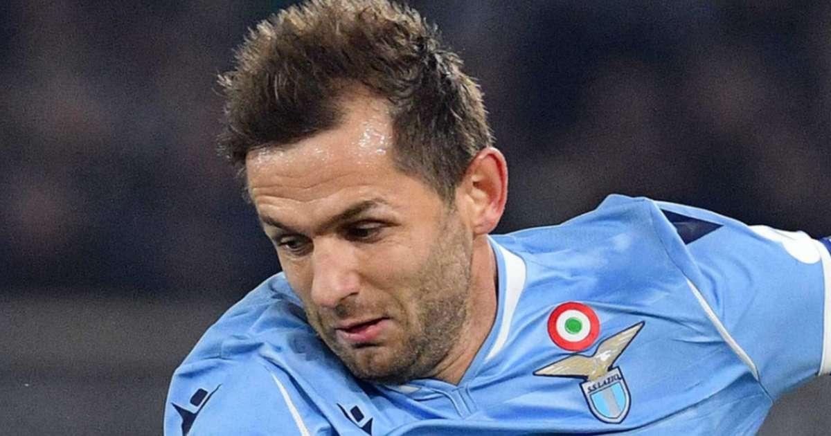 Juventus 1-3 Lazio: Captain fantastic Lulic leads the way to ...