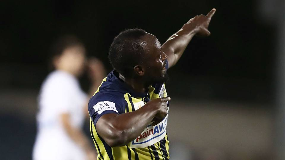 Usain Bolt scores twice in Australian soccer game, seeks full-time contract
