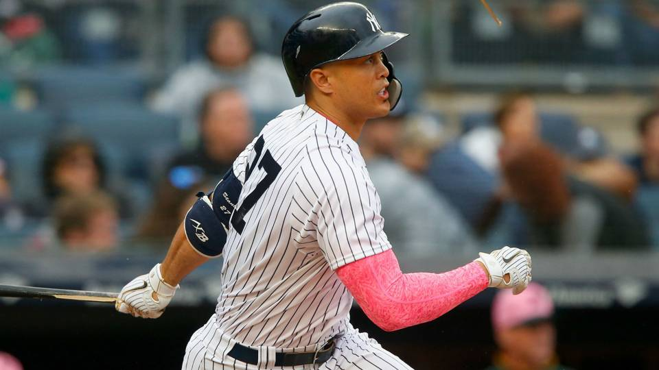MLB wrap: Giancarlo Stanton catches fire to lead Yankees past Athletics
