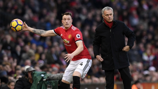 Jones: Man Utd in danger of missing out on top four