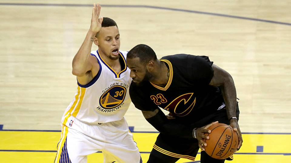 Stephen Curry defends LeBron James' teammates: 'They're NBA gamers'