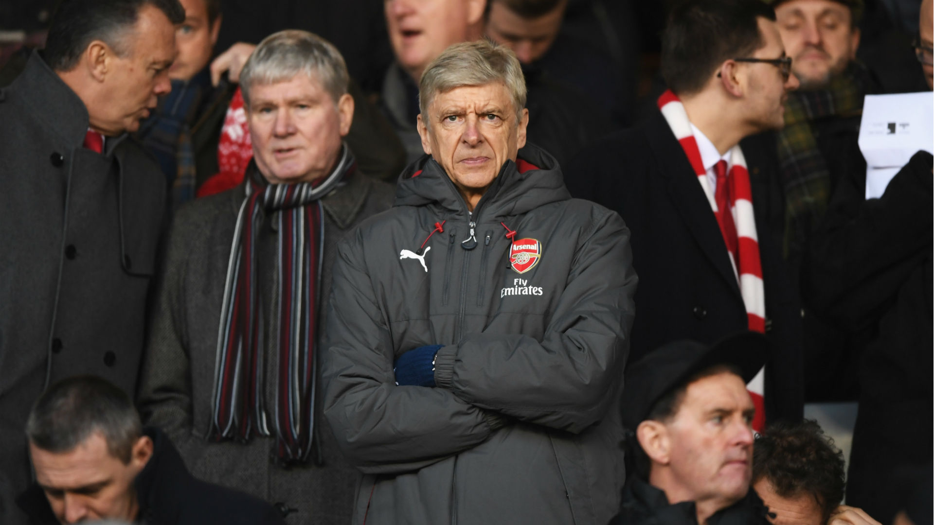 Arsenal manager Wenger given touchline ban, fine for referee incident