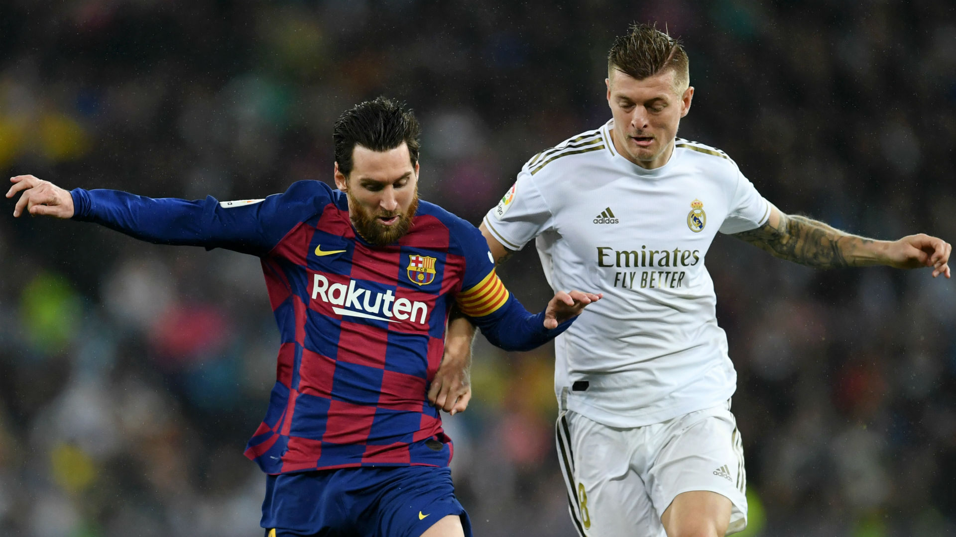 The title battle is between Barcelona and Real Madrid.