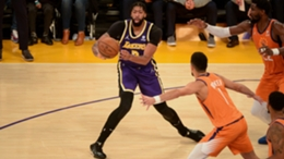Anthony Davis in action during the Lakers' loss to the Suns