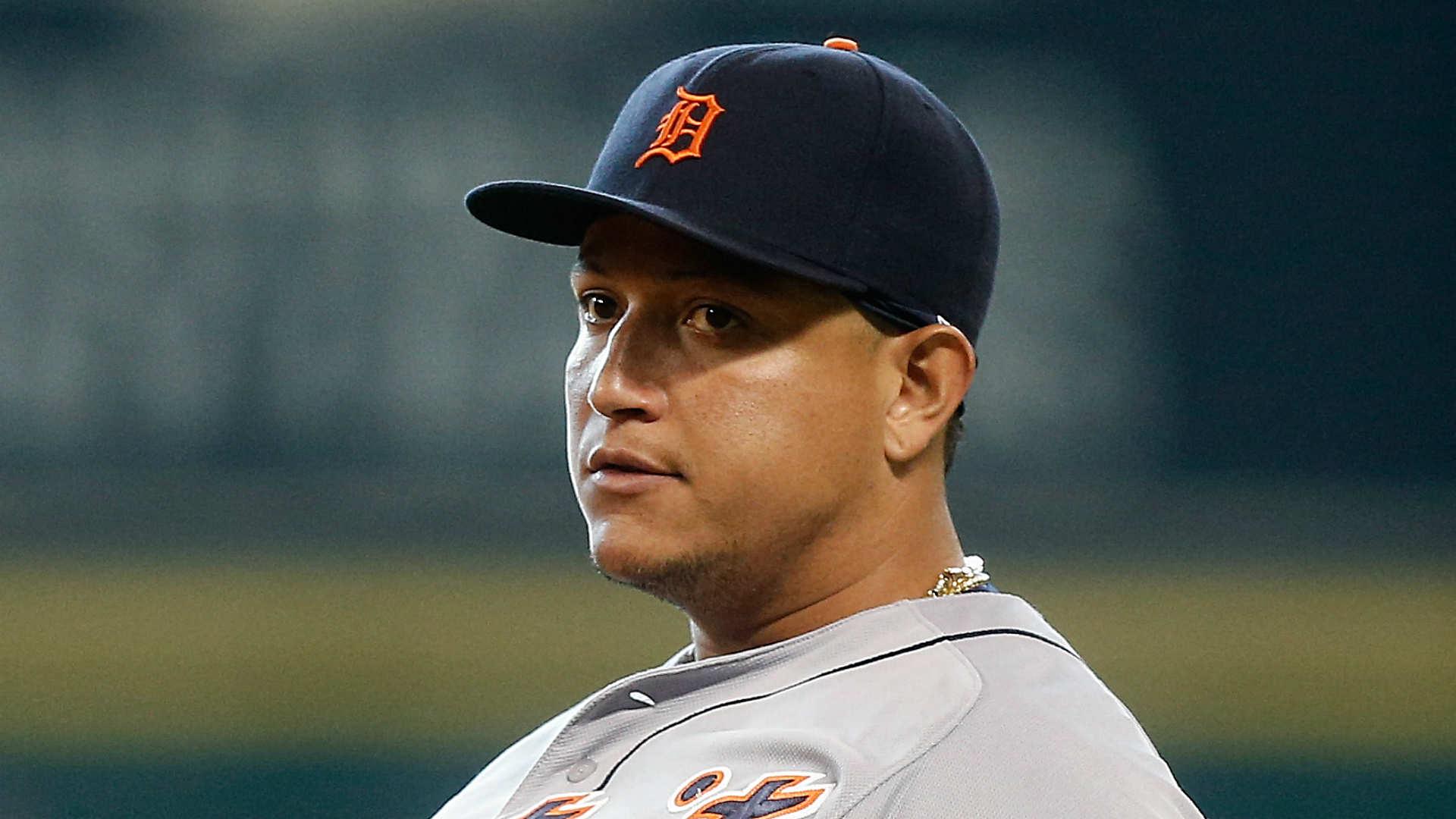 Tigers' Miguel Cabrera trades baseball for fan's 'Fire ...
